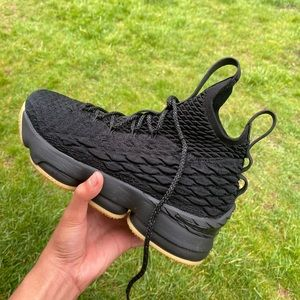 Lebron 15 gum black size 6.5 used but barely worn